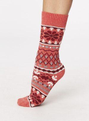 spw244-inga-wool-socks-raspberry-side-one-foot-spw244raspberry