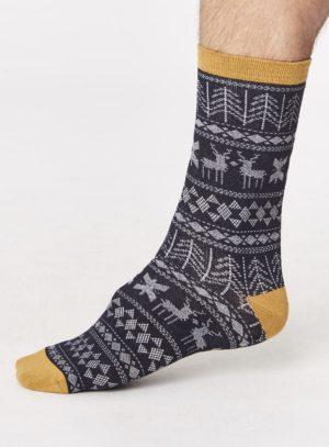 spm277-noel-bamboo-christmas-socks-navy-side-one-foot-spm277greymarle