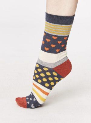 spw258-juliet-heart-bamboo-socks-charcoal-side-one-foot-spw258lichen
