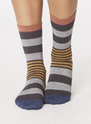 spw238-irena-stripey-bamboo-socks-pewter-front-close-both-feet-spw238pewter