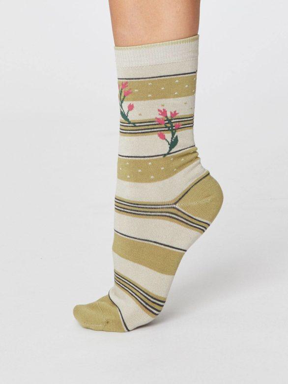 damske zelene ponozky s prouzky a kvetinami thought 3