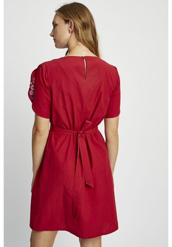 Vyšívané šaty Alyssa