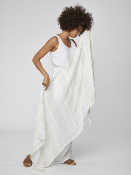 Konopný šátek Varadero bílý