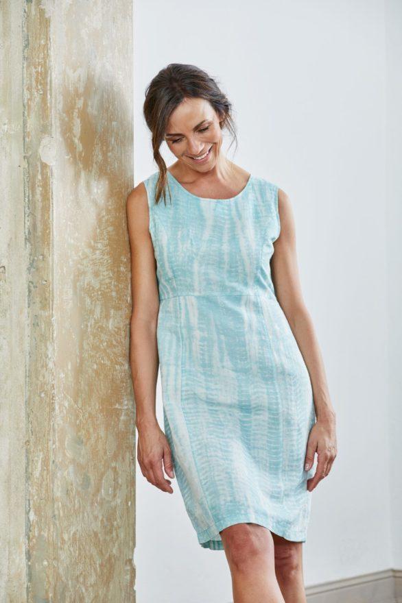 Lněné batikované šaty