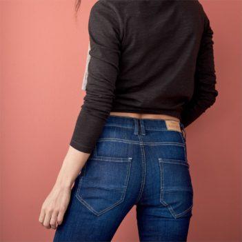Džíny z bio bavlny Brenna modré