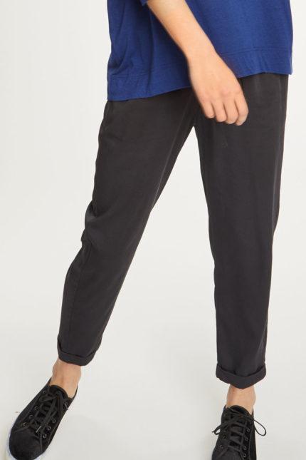 Thought kalhoty catherine černé