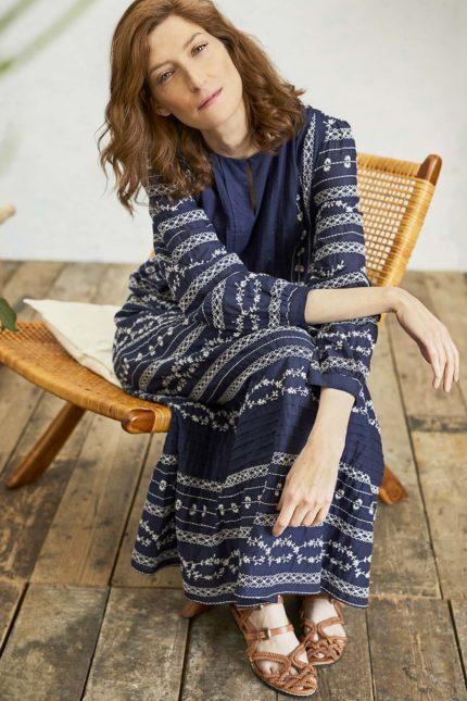 Thought vyšívané šaty valentina z bio bavlny